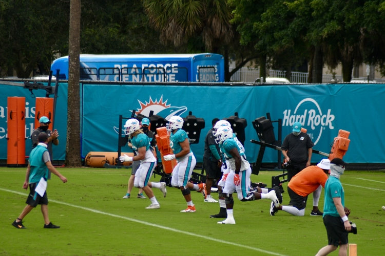 Goldie's Week 5 Picks: Can the Dolphins cover in Tampa? (and more)